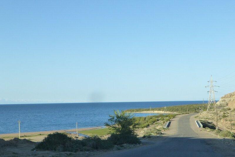 дорога по берегу исык-куля