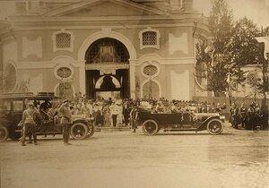 Отъезд императорской семьи и сопровождающих лиц из Новоспасского монастыря
