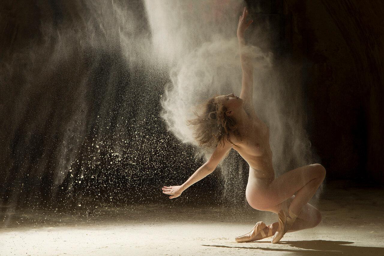 Эротического танцы девушка 13 фотография
