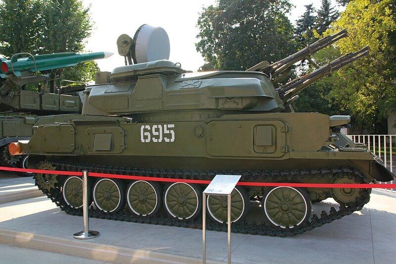 Боевая машина 2А6 «Шилка» (зенитная самоходная установка, предназначенная для поражения низколетящих целей на малых дистанциях) - Военная техника на ВДНХ