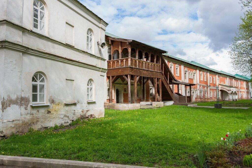 Дом ризничего и Келейный корпус, Спасо-Преображенский монастырь, Ярославль