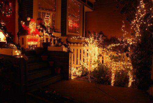 Санта Клаусс, Олень,... Рождественская (новогодняя) подсветка дома.