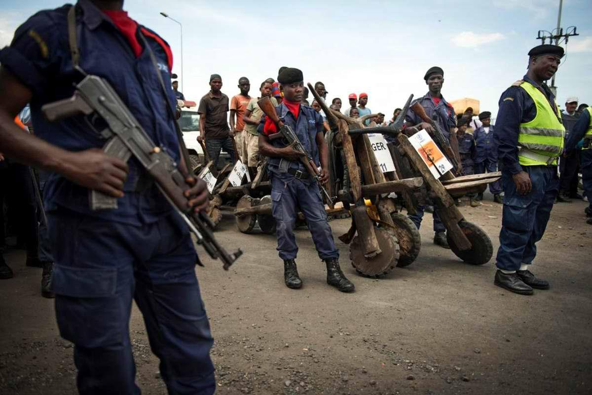 Демократическая Республика Конго - гонки на африканских грузовых самокатах