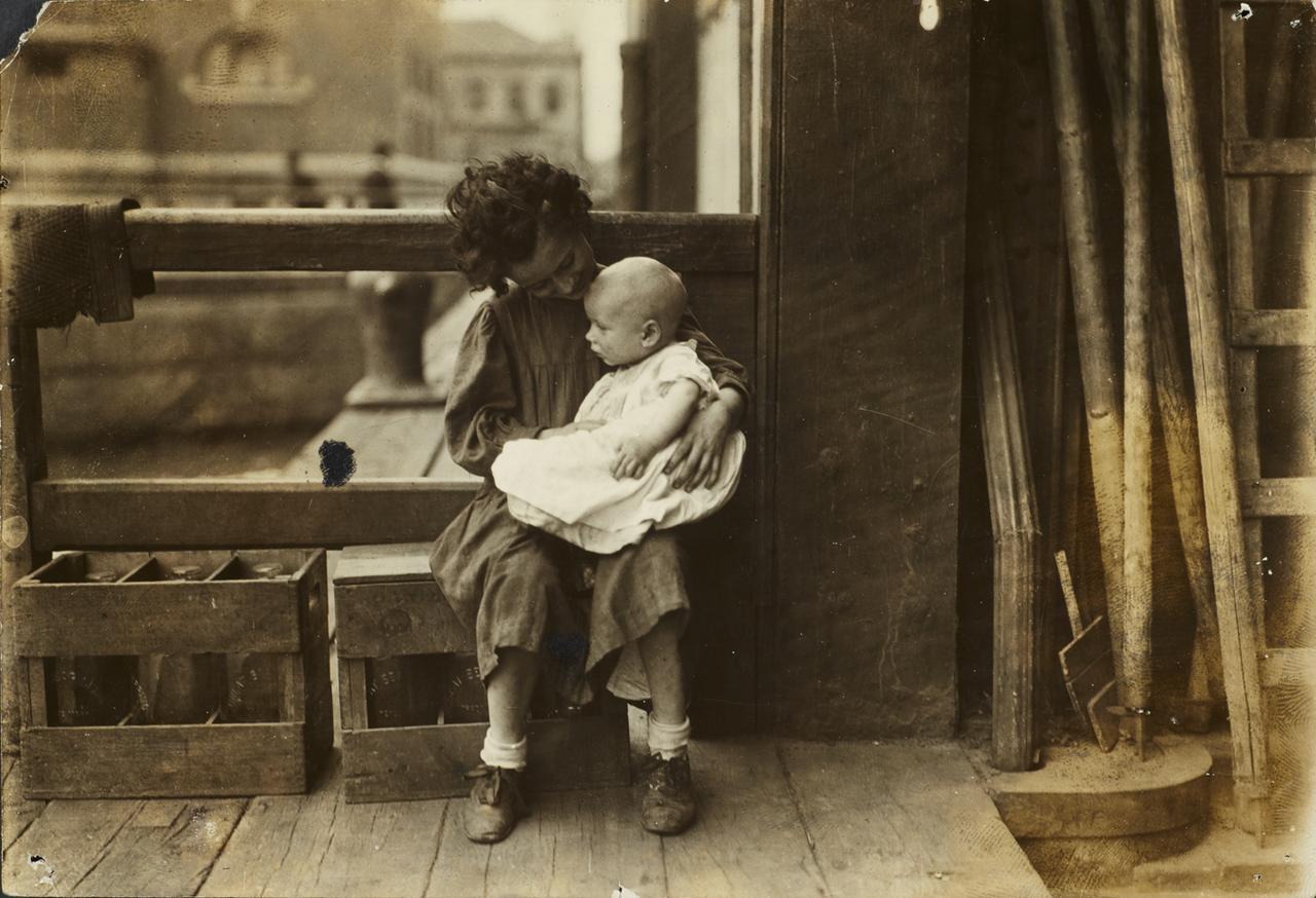 Маленькая мама. 1904
