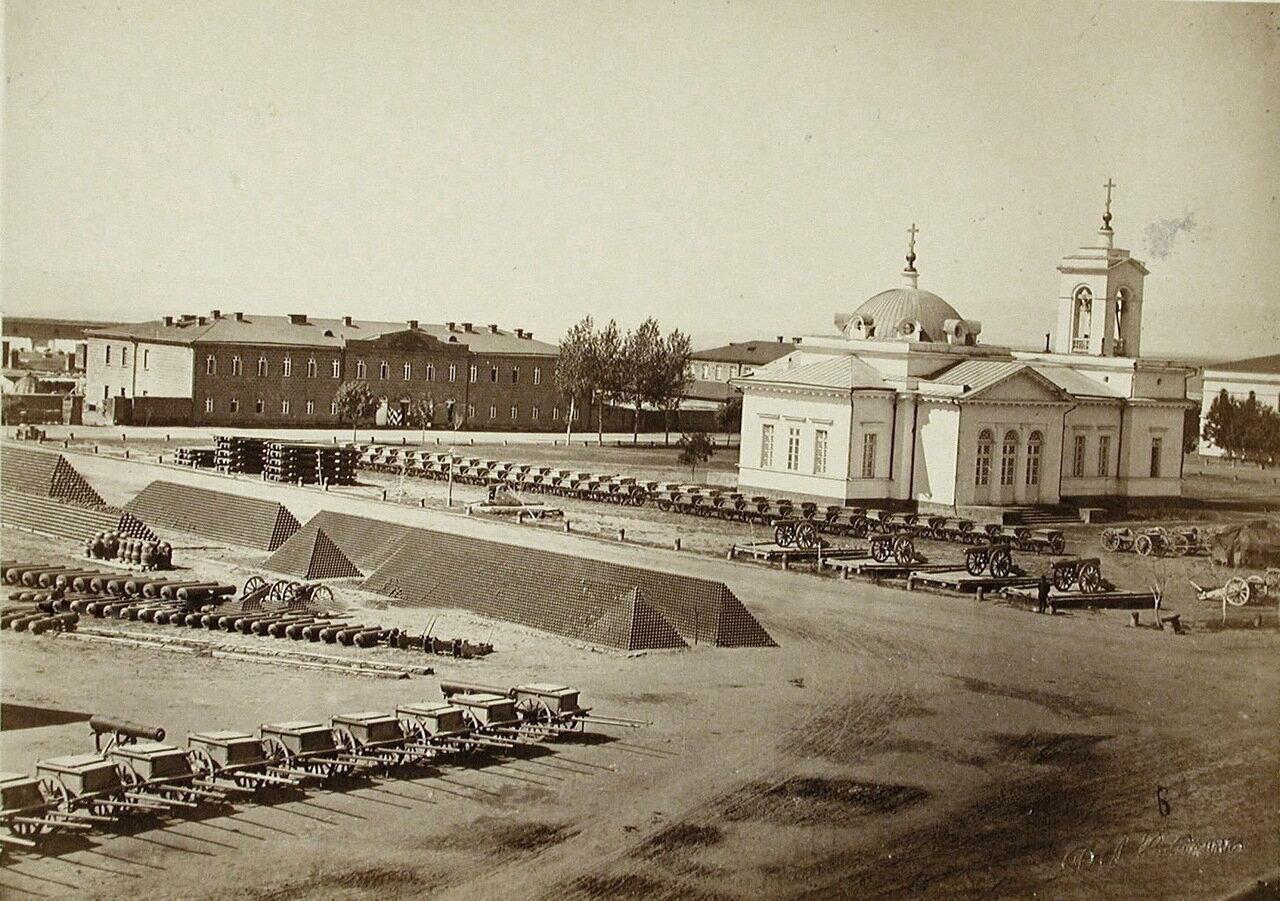 Внутренний вид Александропольской крепости