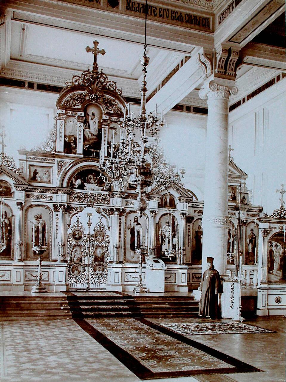 17. Внутренний вид церкви Уяздовского военного госпиталя