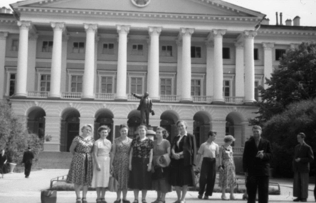 1956. Экскурсия в Ленинград