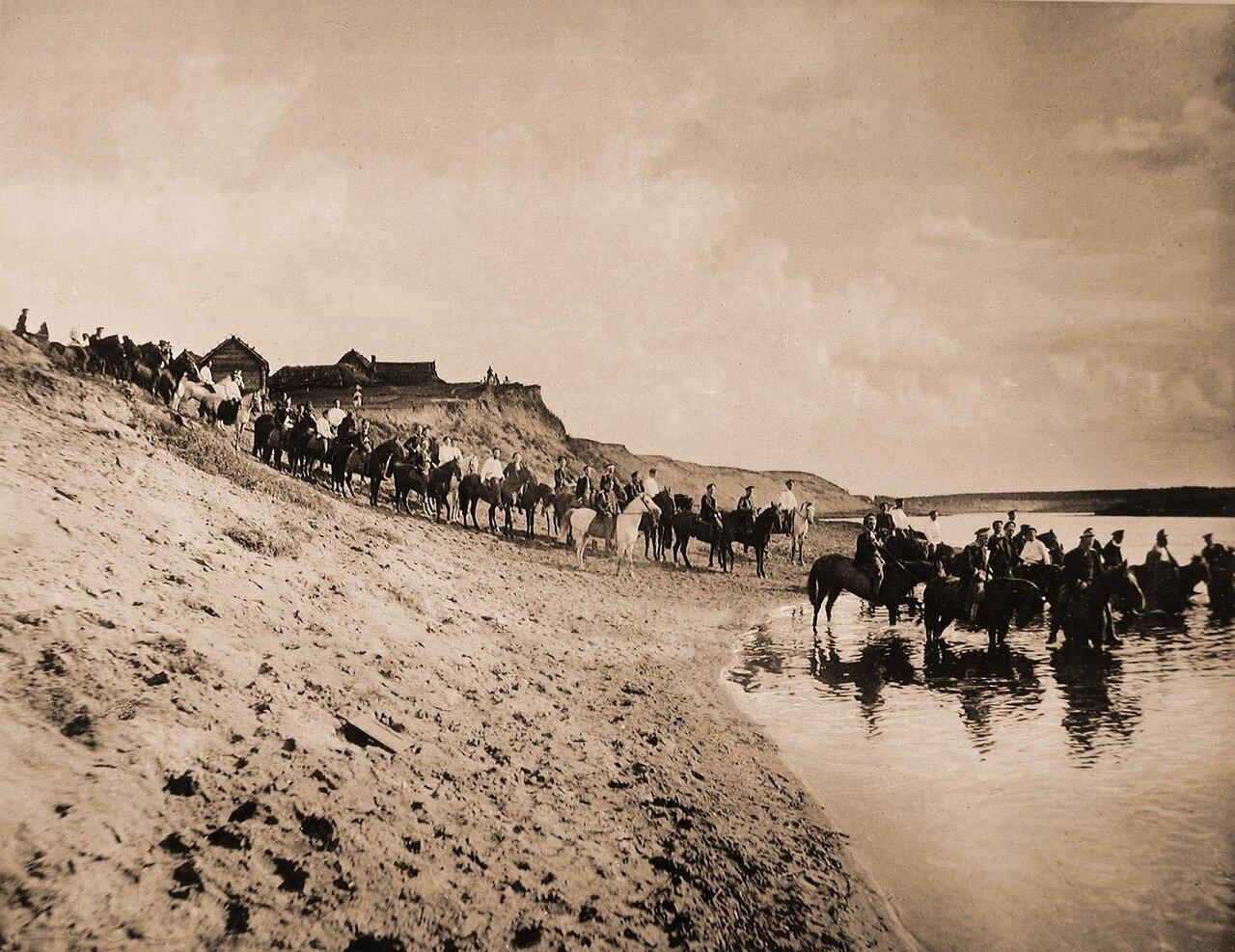 23.Юнкера на лошадях у реки («водопой»)