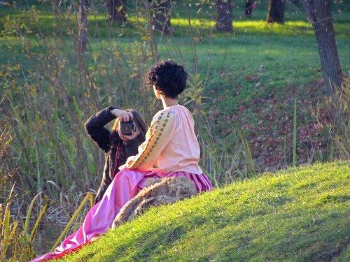 Фотосессия девушки в розовом