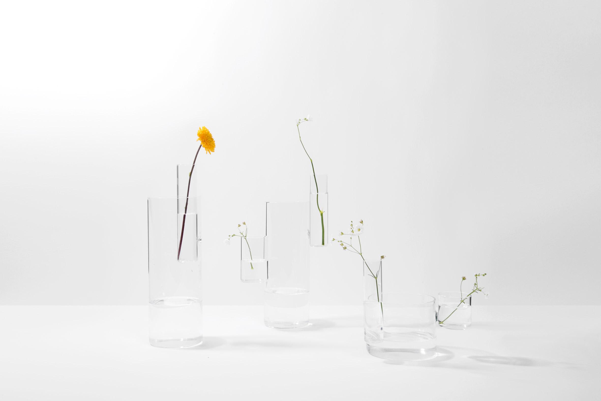 Playful Flower Vases by Designer Moises Hernandez (6 pics)
