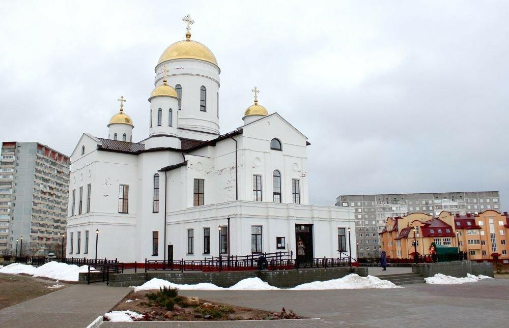 В храмах Ярцева и района состоялись праздничные службы