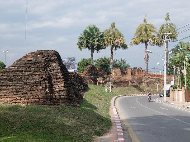 Чиангмай - Крепостная стена