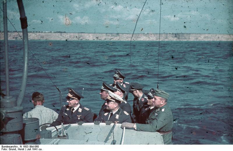 Schwarzes Meer, Siebelfдhre mit 8,8cm Flak, Offiziere