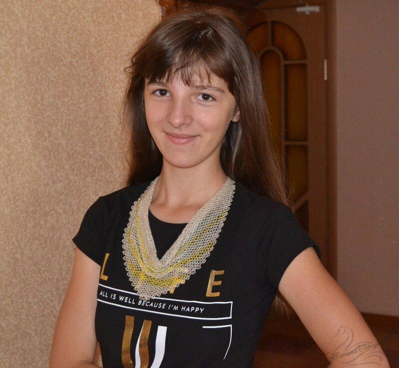 Альбом пользователя Юленька_Лебедь: Серебристая косынка из бисера10.JPG