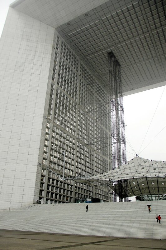 Париж. Большая арка в Ла-Дефанс (Grande Arche de la Defense)