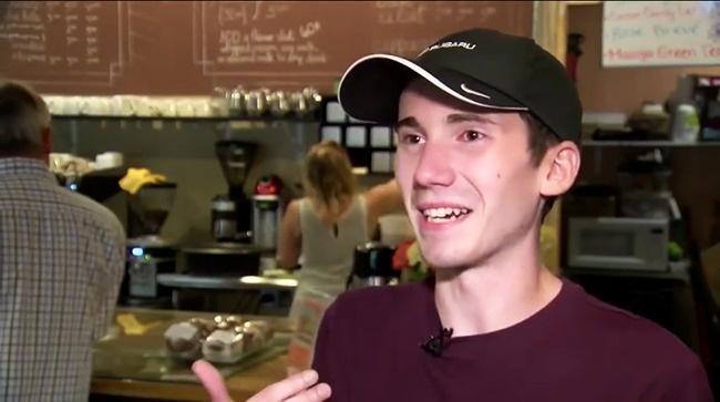 Остин Симонс каждый день готовит латте икапучино местным жителям иотносится ксвоему делу очень се