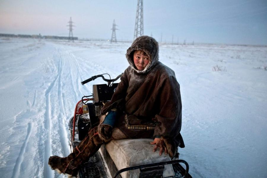3. Оленевод Семен направляется в Воркуту за продовольствием. Оленеводам приходится все дальше и даль