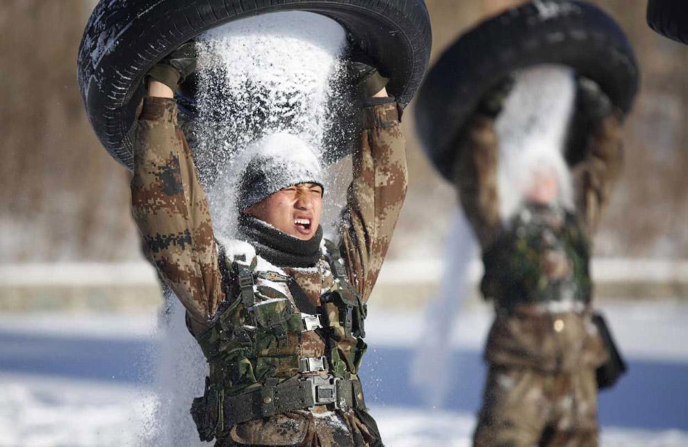 Самый холодный Новый год в Москве был в 1908 году (-33.8 градусов) и в 1979 году (-33 градусов)