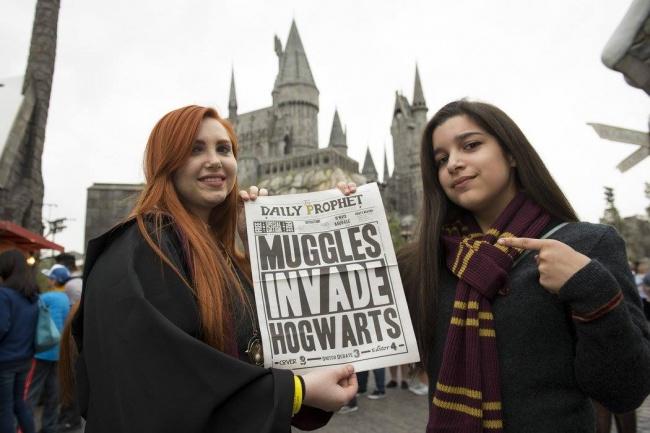 © UniversalStudiosHollywood/facebook.com  «Магглы вторглись натерриторию Хогвартса». Здесь ка