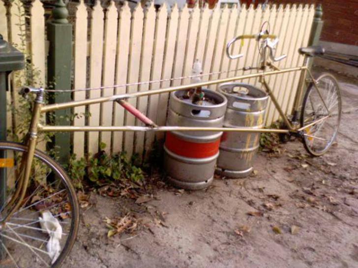 В мире велосипедов нет настоящего аналога длинного лимузина, но велосипед под названием Schlooooong
