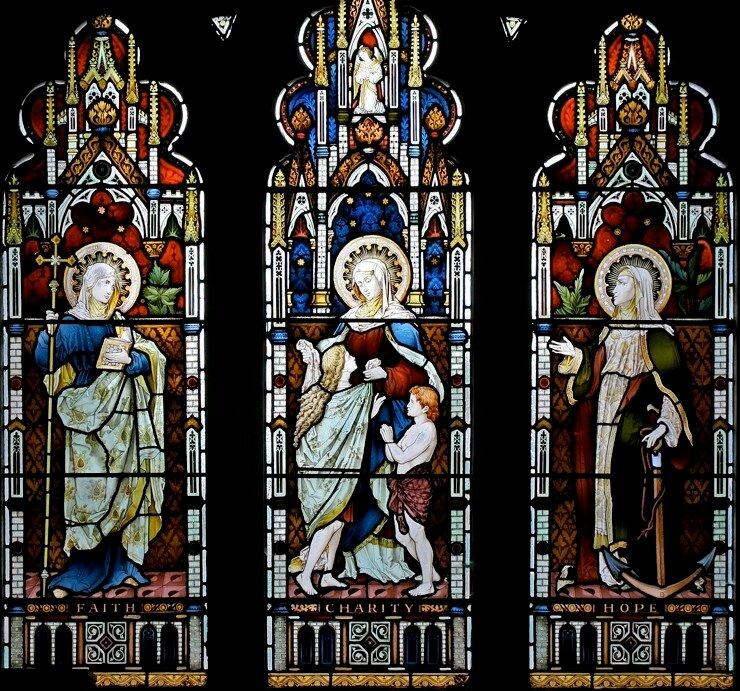 Вера, Любовь, Надежда. Витраж в храме Пресвятой Девы Марии (Newport, Уэльс, Великобритания)