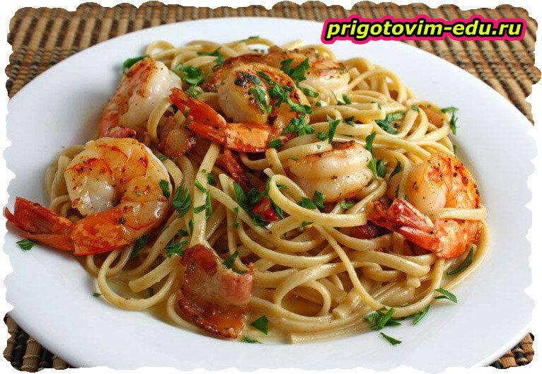 Макароны с кабачками и морепродуктами