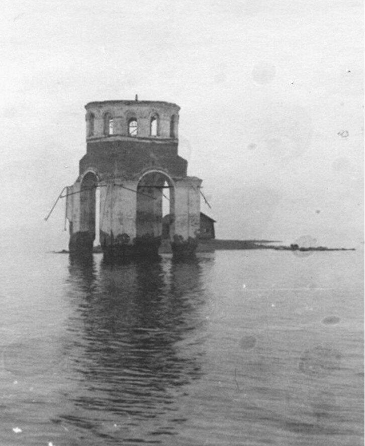 Остатки церкви