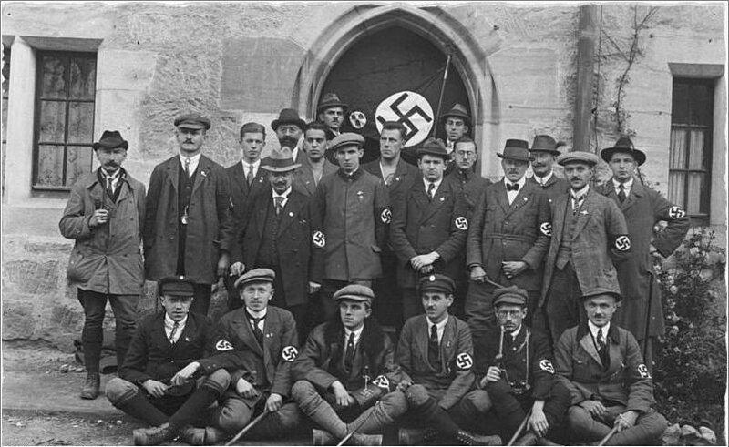 1922 NSDAP Delegation in Coburg.jpg