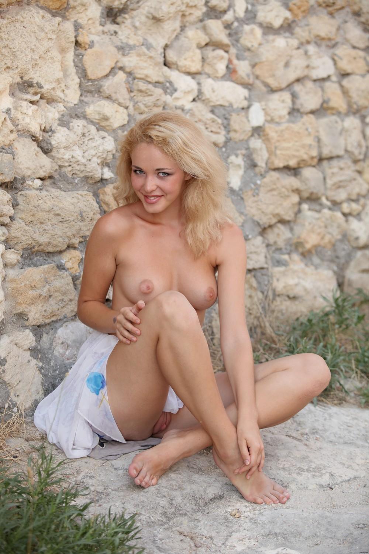 Белокурая красотка Alissa