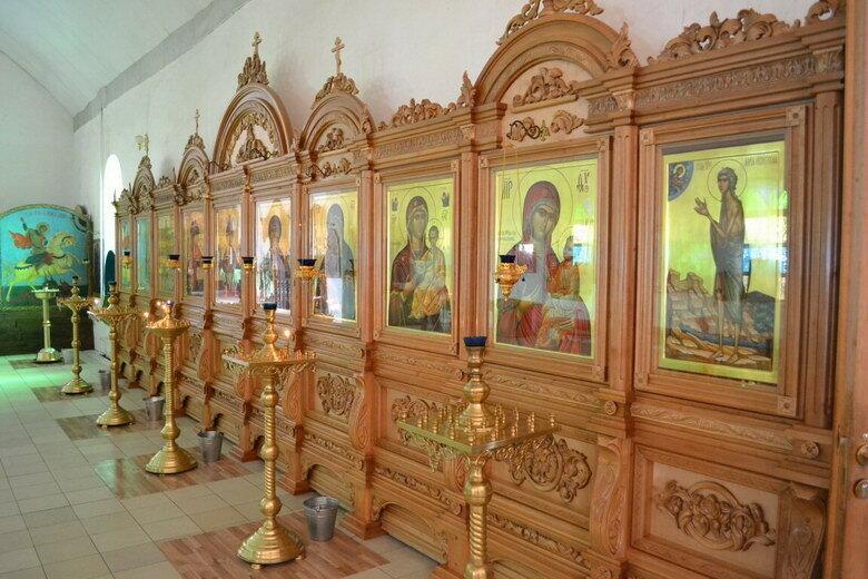 hram-v-chest-sviatoy-troitsy-05.jpg