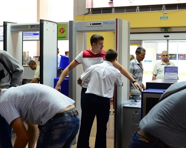 Более двух миллионов россиян несмогут покинуть страну на«майские» из-за долгов
