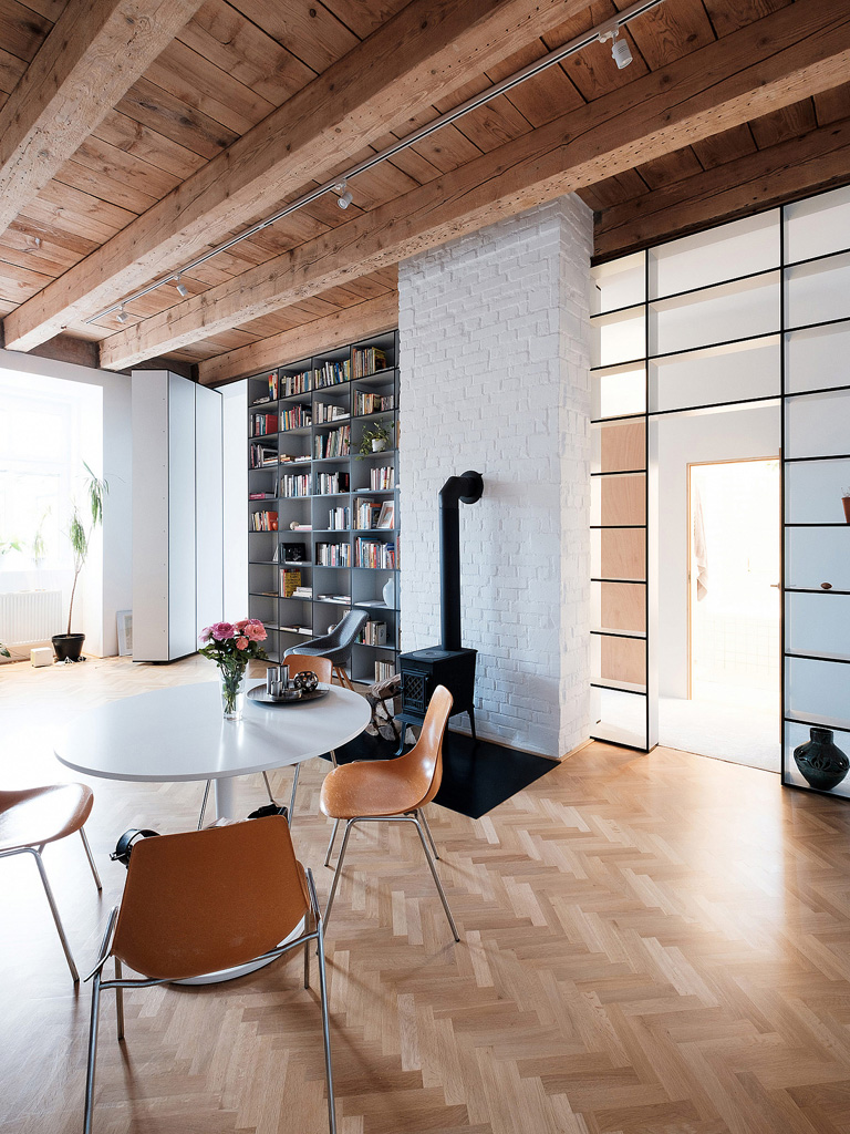modern-apartment-wiht-hidden-room-18-1360x1813.jpg
