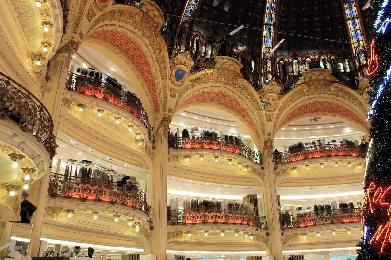 Galeries Lafayette in new year decoration