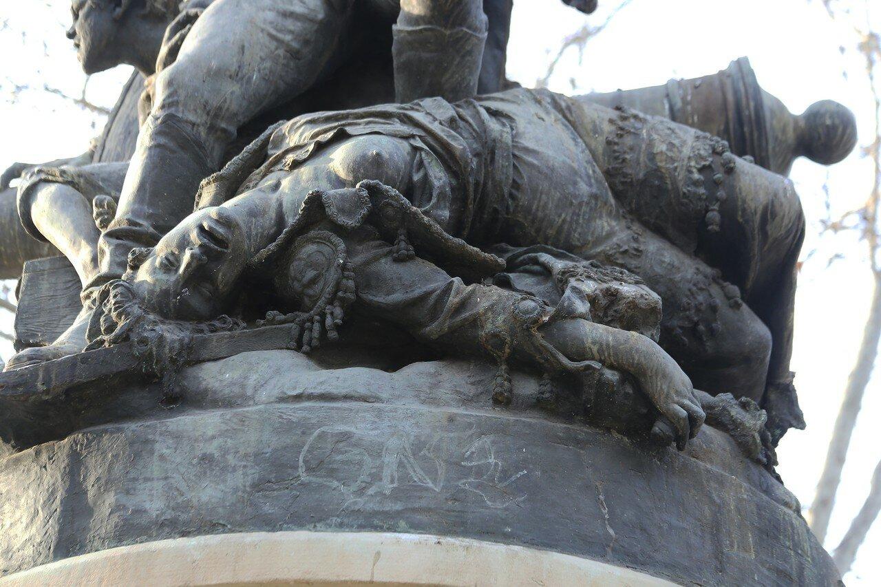 Мадрид. Памятник участникм восстания 1808 года (Monumento al Pueblo del Dos de Mayo de 1808)