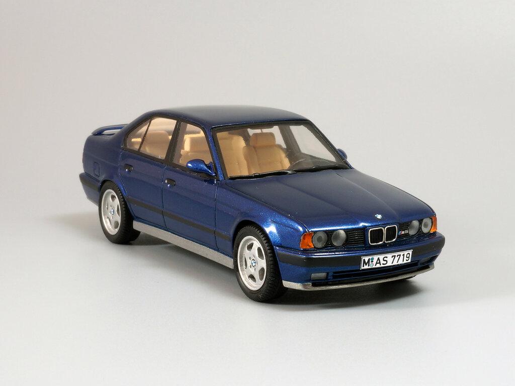 BMW_M5_E34_08.jpg