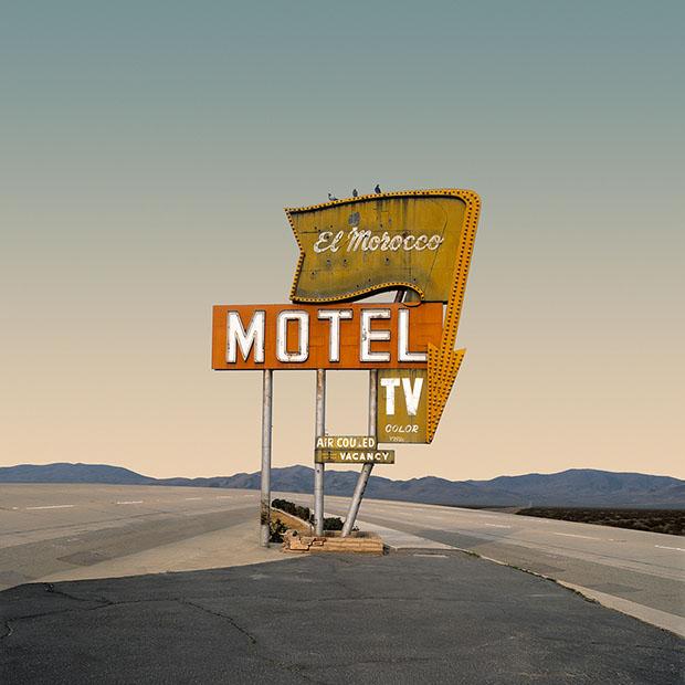 Desert Realty («Пустынная недвижимость») — это книга не о том, что реально существует в пустыне. По