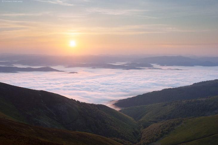 Фотографии Александра Котенко   1. Длина горного массива Боржава — свыше 50 км, ширина — 34