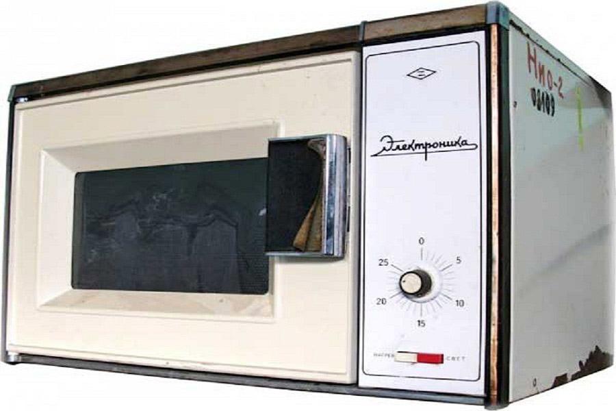 5. Стереосистема «Амфитон» — портативный проигрыватель с модульными динамиками, 1987 год.