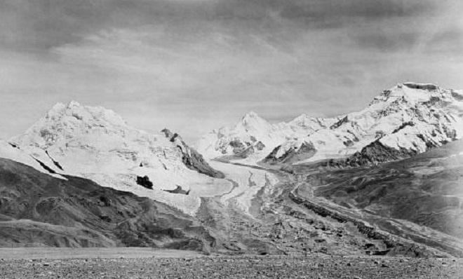 Ледник Киетрак, Тибет — 2009 Как один из основных маршрутов к вершине Чо Ойю — шестой по высоте горы
