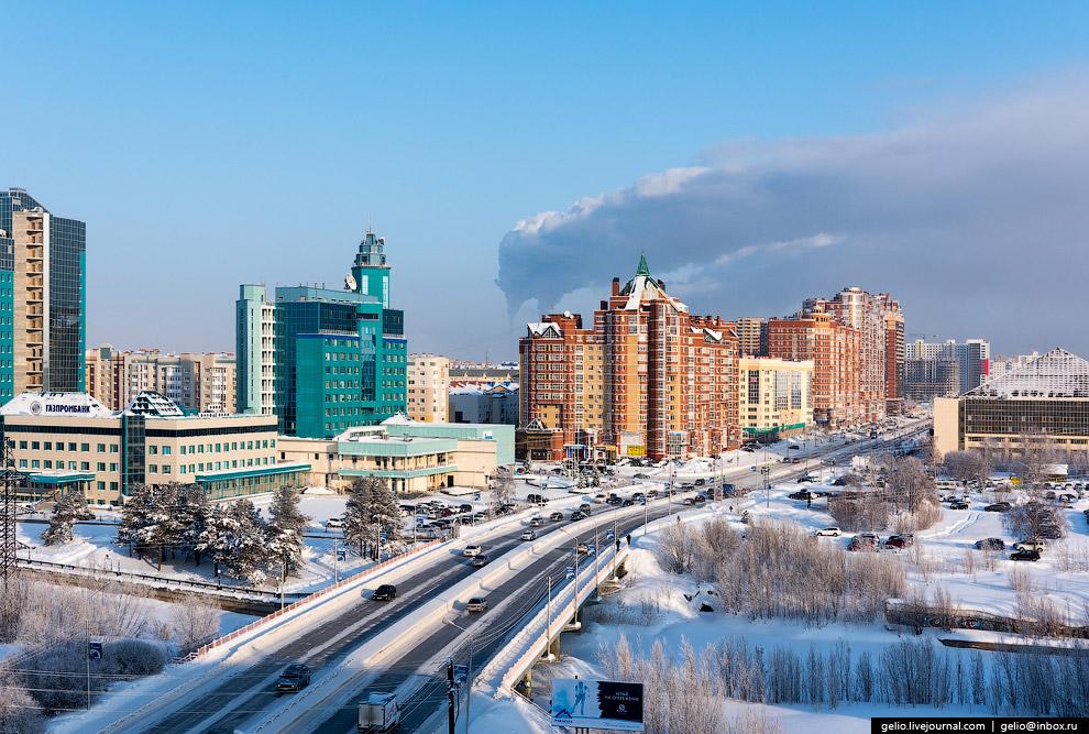4. Кольцо на пересечении проспекта Ленина, улиц Майской и Островского. В центре расположен памя