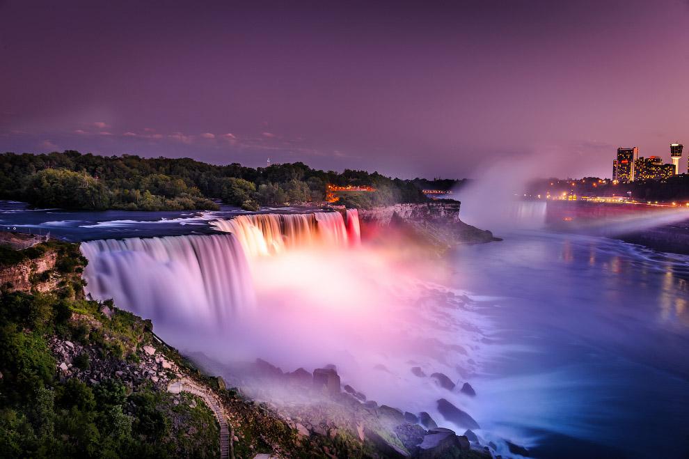 № 2. Водопад Виктория, Замбия/Зимбабве Водопад Виктория — один из самых красивых водопадов в ми