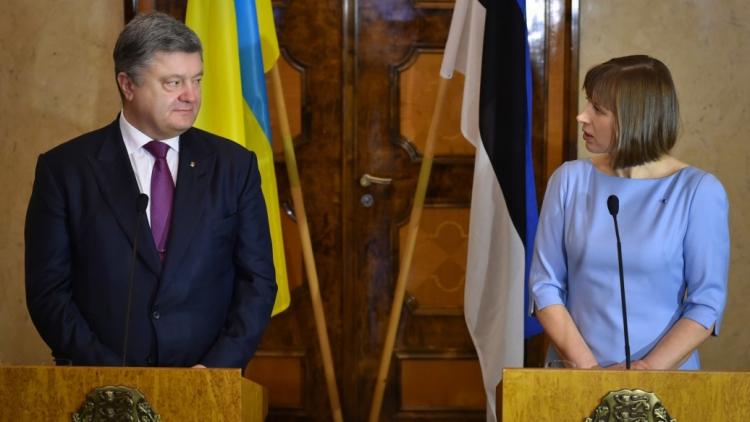 Порошенко отказался отвечать навопросы русских корреспондентов вХельсинки