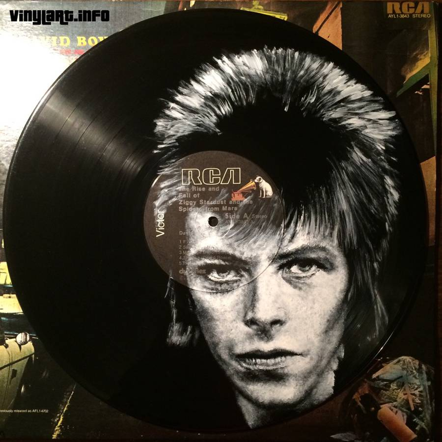 Stunning Portraits of Music Icons Painted on Their Famous Records (20 pics)