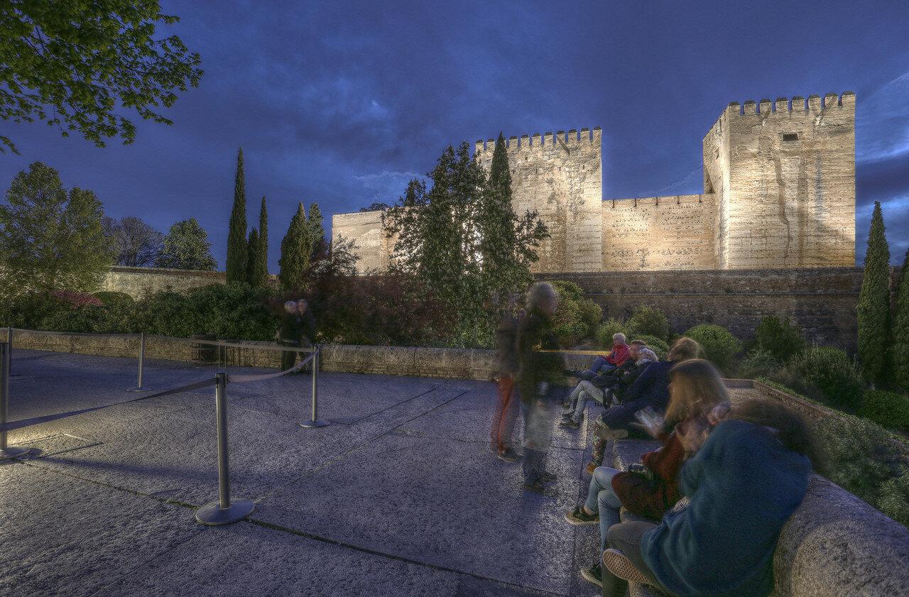 Ночная Гранада.  Альгамбра