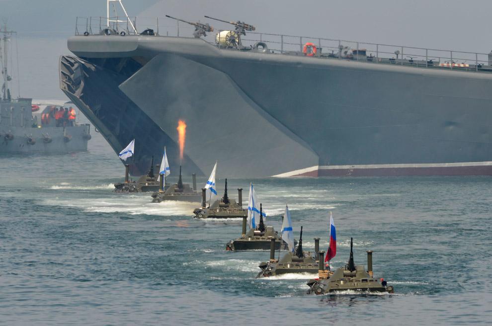19. День ВМФ во Владивостоке. (Фото Alexei Druzhinin | Reuters):
