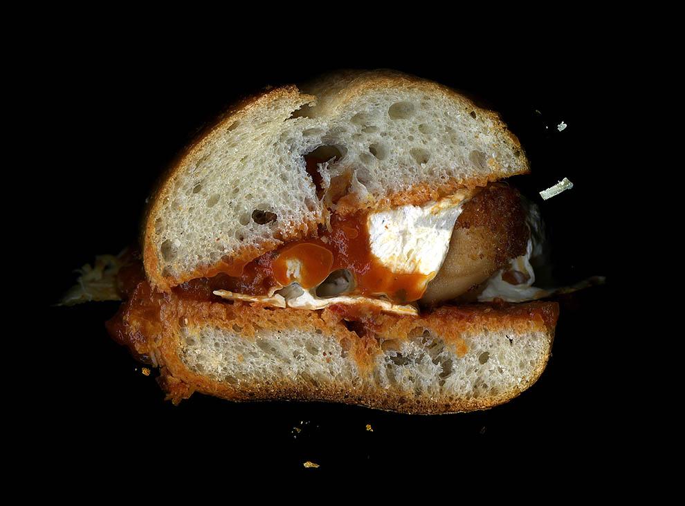 28. Курица, пармезан, поджаренный итальянский хлеб.