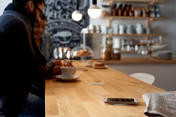 Мебель с беспроводной зарядкой от IKEA Весной 2015 года шведский мебельный гигант IKEA презентовал с