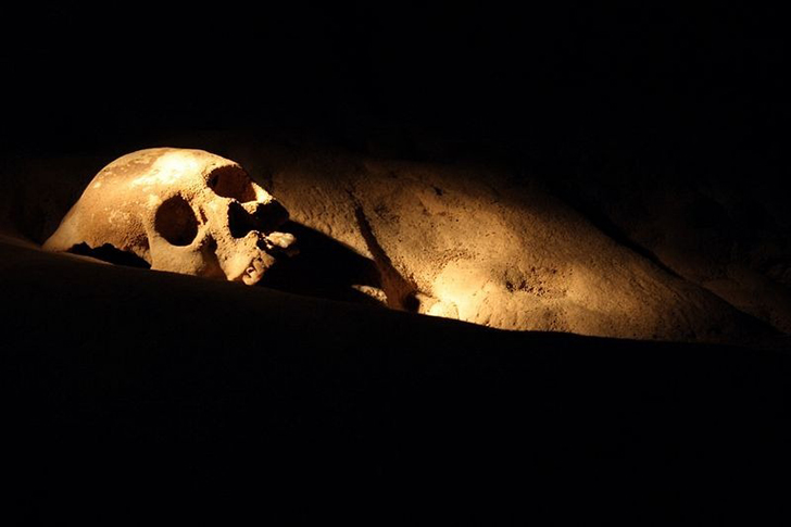 Зловещая тайна пещеры Хрустальной девы (18 фото)