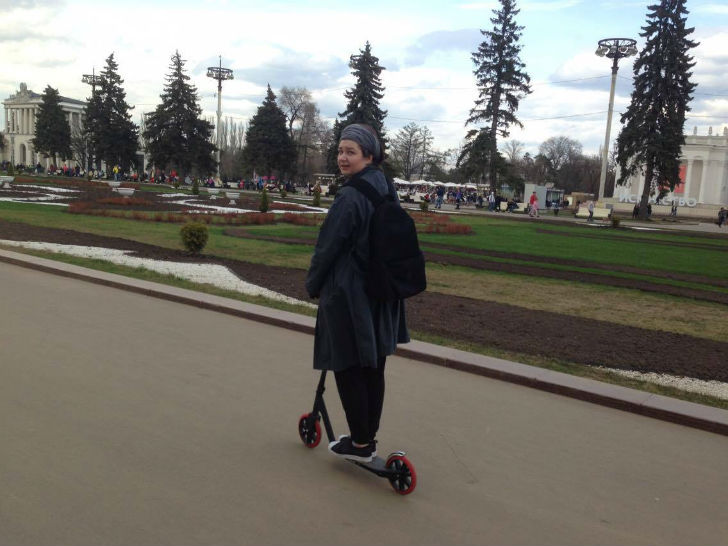 Маруся Саяпина Музыкальный менеджер Самокат — Razor Carbon Lux 1. Самокат — отличный компромисс с са