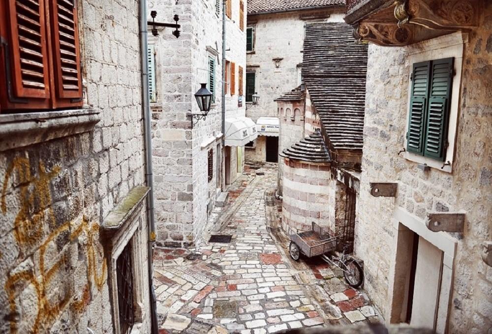 Лабиринт улочек приморского города. Заблудиться здесь легко, но приятно. © Diana Vladimirova